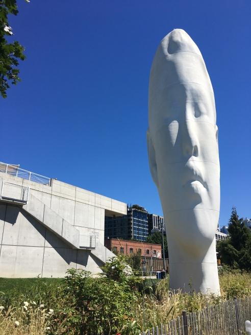 sculture garden head